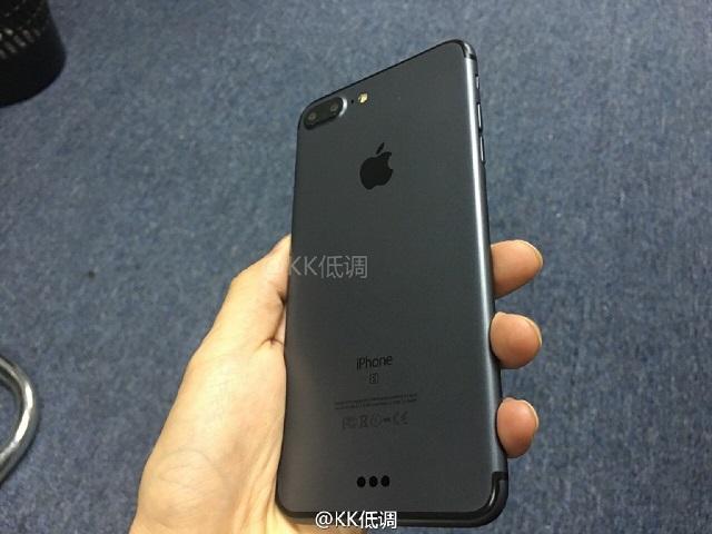 iPhone7 Plusの新色「スペースブラック」の実機動画がリーク!