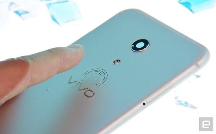 ディスプレイに埋め込み式の指紋認証センサーをQualcomm発表!