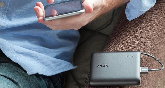 大容量モバイルバッテリー「Anker PowerCore 13000」を評価!スペックや評判をレビュー!