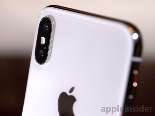 2018年iPhoneは少なくとも1モデルがトリプルカメラか