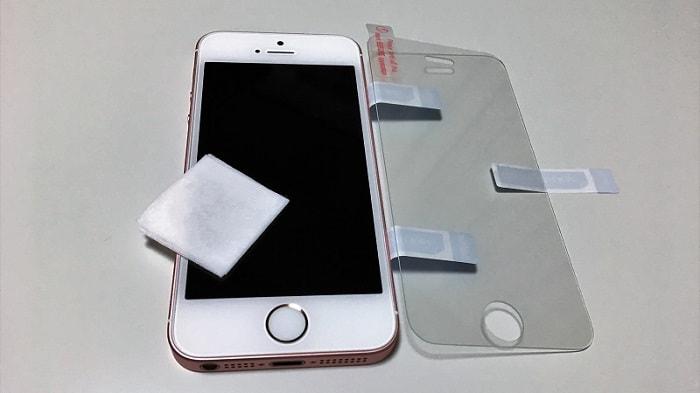 iPhone SE用「BEGALO ガラスフィルム」をレビュー!