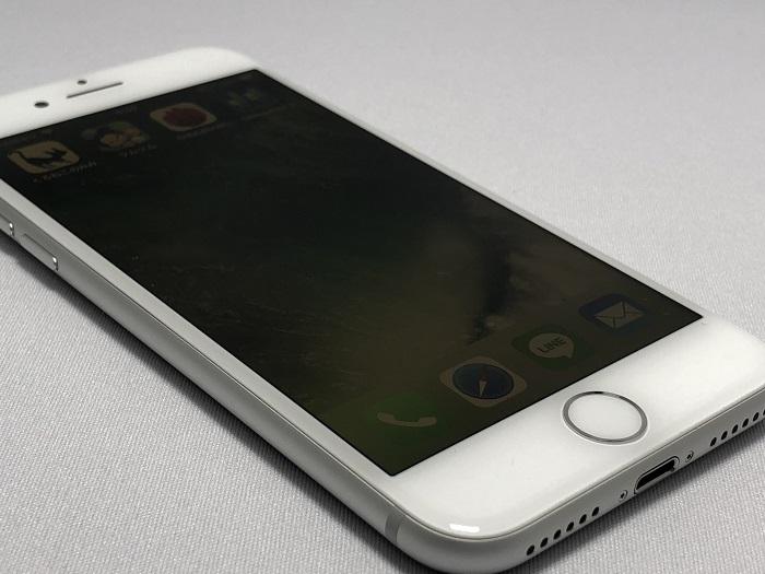 iPhone 8」のレビュー!スペックやカメラ性能の評価まとめ/進化したポイントをチェック!