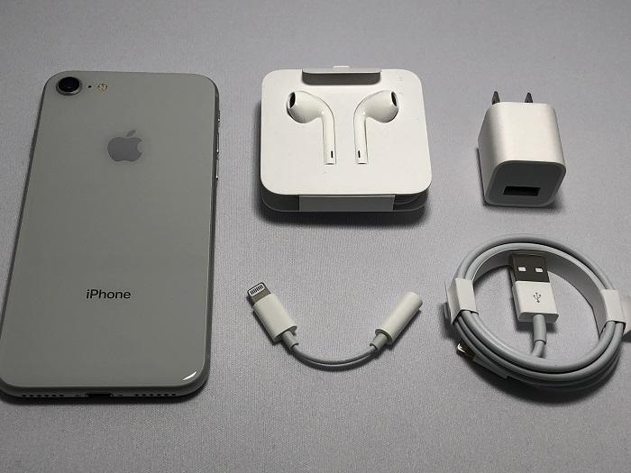 iPhone 8の同梱品