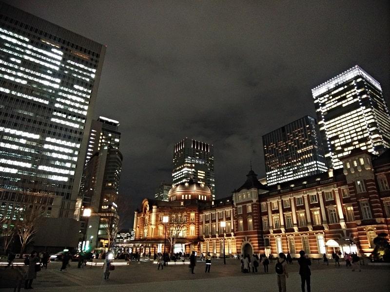 らくらくスマートフォン me F-01Lで撮影した夜の東京駅