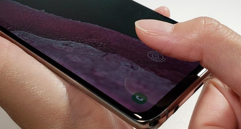Galaxy S10の指紋認証の様子