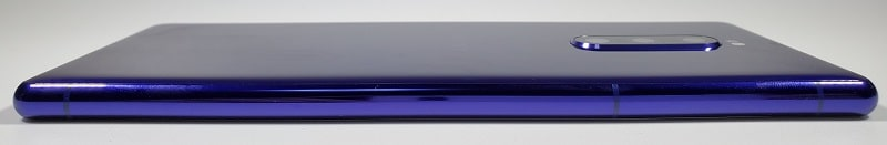 Xperia 1 の右側面デザイン