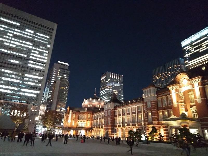 AQUOS sense2 SH-01Lで撮影した夜の東京駅