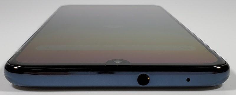Galaxy A30 の上部デザイン