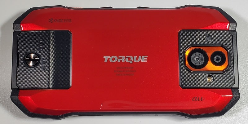 TORQUE G04 の背面デザイン