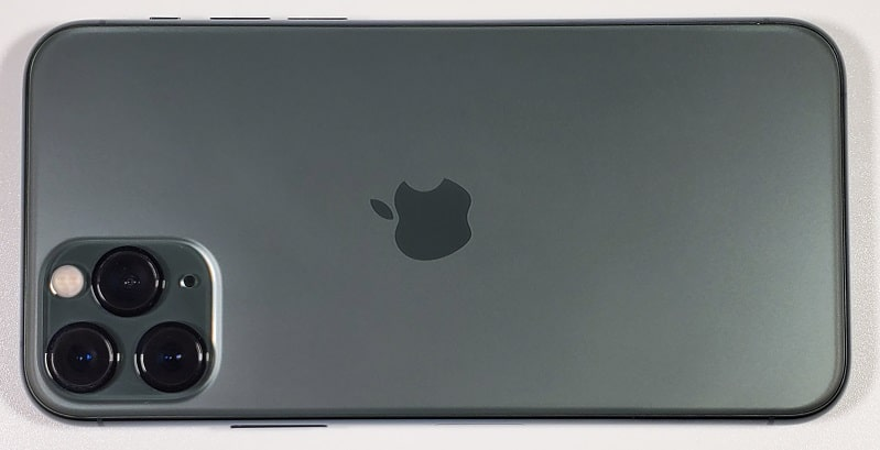 iPhone 11 Pro の背面デザイン
