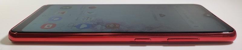 Galaxy A20 の側面デザイン