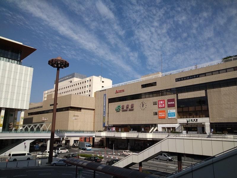 Xperia 8 のカメラで撮影した高崎駅