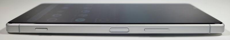 Xperia 1 IIの側面デザイン