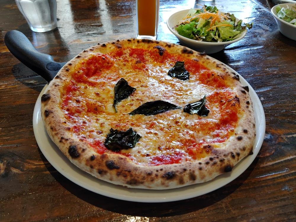 arrows 5Gのカメラで撮影したピザ